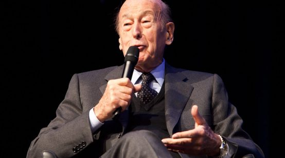 Ex-French Leaders Valery Giscard d'Estaing Dies From COVID