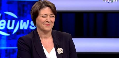 Transport Commissioner Bulc announces revival of EU passenger rights law