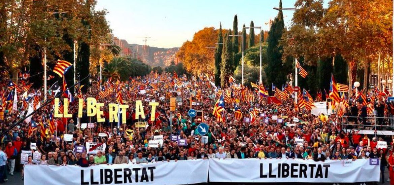 350,000 Protest in Barcelona against Spain's Jailing of Catalan Separatist Leaders