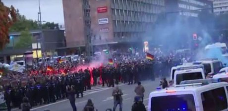 Neo-Nazis, Leftists Clash Violently in Germany's Chemnitz in Wake of Stabbing Death Involving Migrants