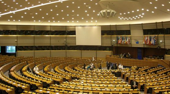 EU Parliament Ratifies Free Trade Deal with Japan, 'World's Largest'