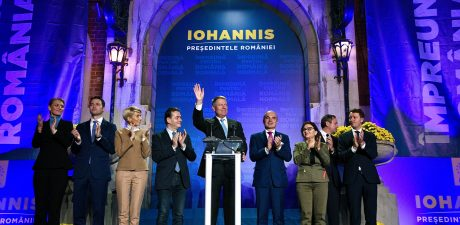 Iohannis Beats Embattled Ex-Prime Minister in First Round of Romania's Presidential Election