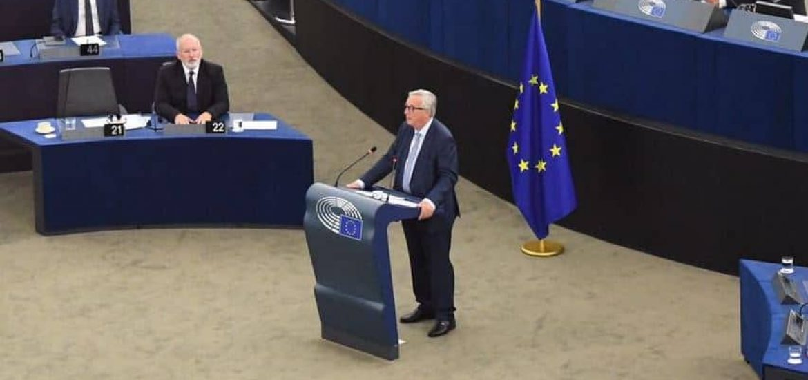EU to Solidify External Borders without 'Militarizing', Juncker Vows in Last State of the Union Address