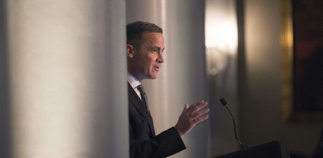 Risk of No-Deal Brexit 'Uncomfortably High', Bank of England Chief Warns