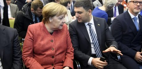 Merkel Puts on Putin 'Full Blame' for Russia – Ukraine Tensions in Azov Sea