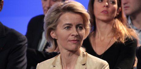 EU Commission Chief Raises Concerns Over Brexit Deadline